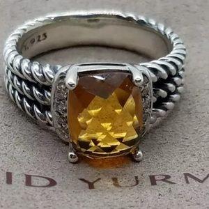 Ladies David Yurman Ring!